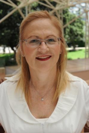 פרופ' הדרה בר מור ראש תוכנית לימודי תואר שני משפט ללא משפטנים